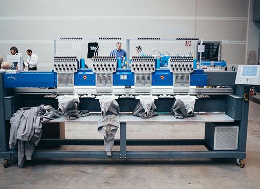 Mehrkopfmaschinen – ZSK Stickmaschinen