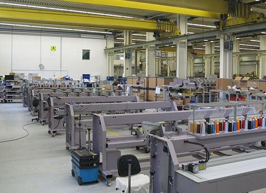 ZSK Stickmaschinen – Produktion