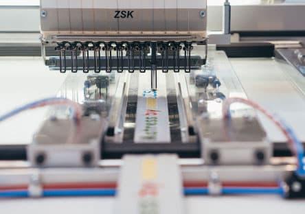 Roll2Roll – ZSK Stickmaschinen